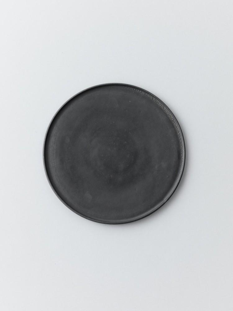 Black Plate for ice. Akito Akgagi.