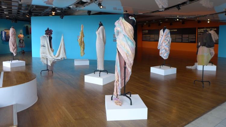Fashion in Seven Acts. Handarbetets Vänner. Kulturhuset.