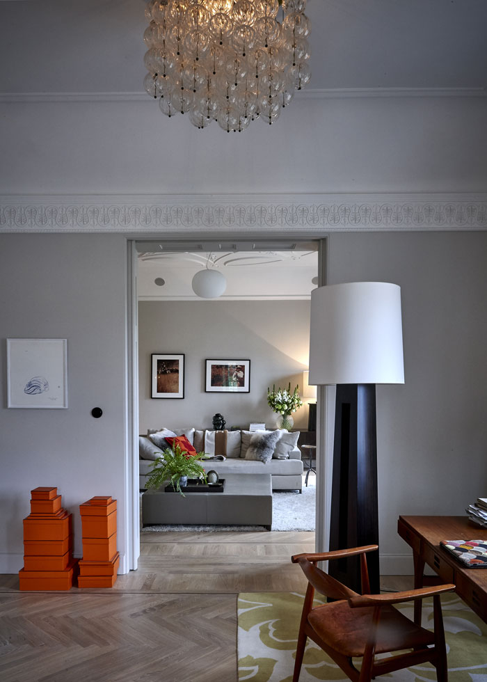 The home of Stockholm's glamorous fashion queen Nathalie Shuterman.